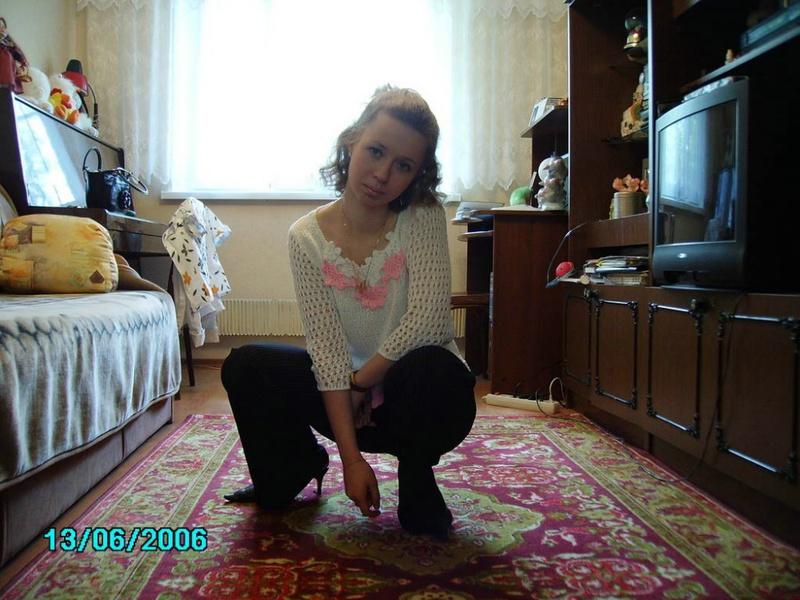 22 летняя няшка в ванной комнате и на работе 5 фото