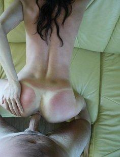 Подборка эротики и секса худощавой брюнетки с торчащими сосками