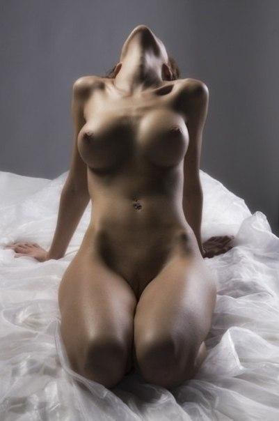 Самые красивые девушки показывают свои большие сиськи 29 фото