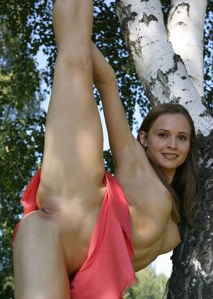Эротические снимки голых красоток на отдыхе 11 фото