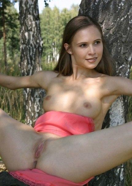 Эротические снимки голых красоток на отдыхе 20 фото