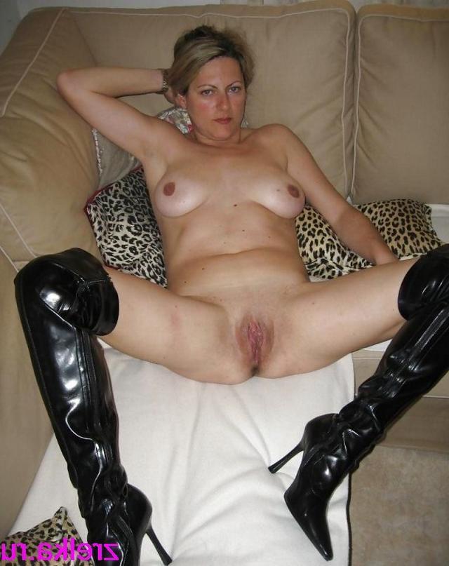Грудастые мамаши расставили ноги и проветривают пизденки 31 фото
