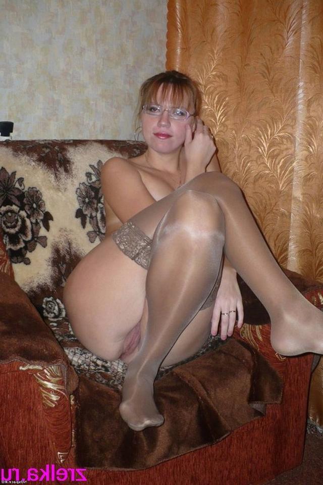 Грудастые мамаши расставили ноги и проветривают пизденки 29 фото