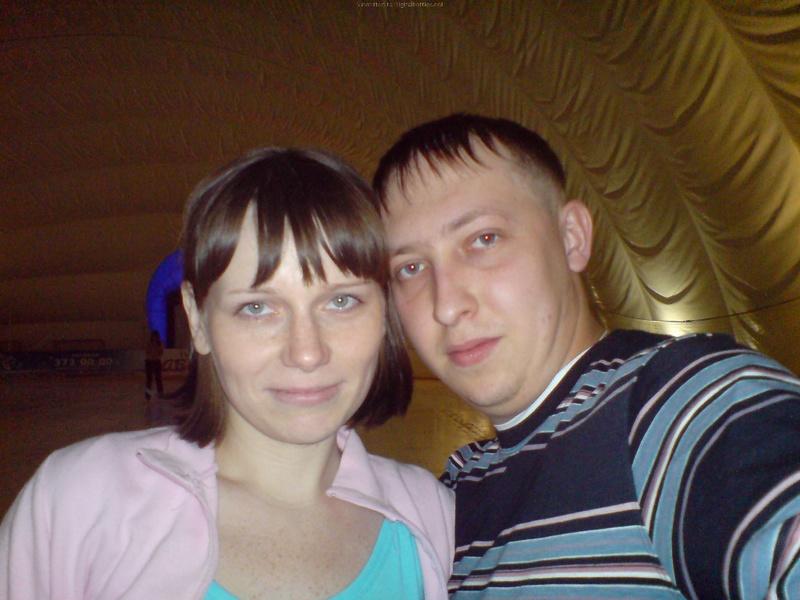 Молодая пара выложила домашние фото в сеть 5 фото