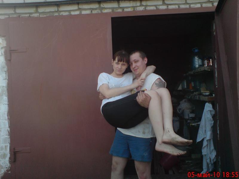 Молодая пара выложила домашние фото в сеть 10 фото