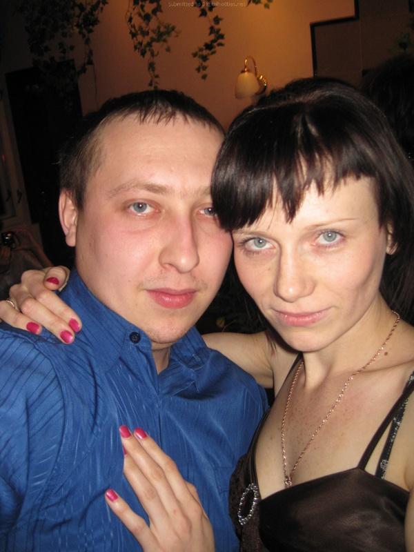 Молодая пара выложила домашние фото в сеть 12 фото