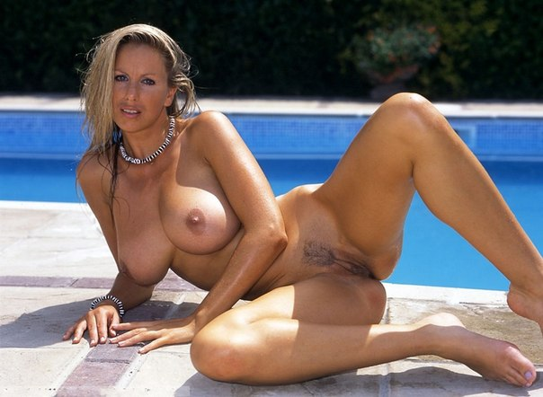 Мясистые задницы женщин средних лет 3 фото