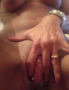 Домашняя мастурбация от мулатки в фото