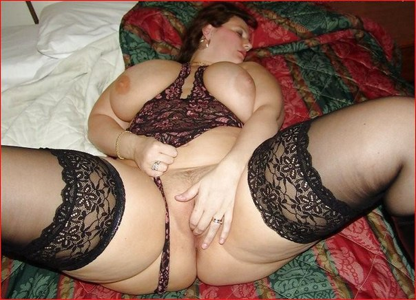 Милые толстухи теребят толстые письки и мнут здоровые дойки 16 фото