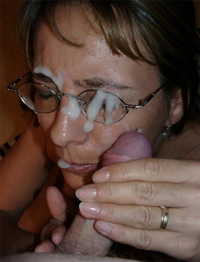 Девушки получают заряд спермы на свои лица 2 фото