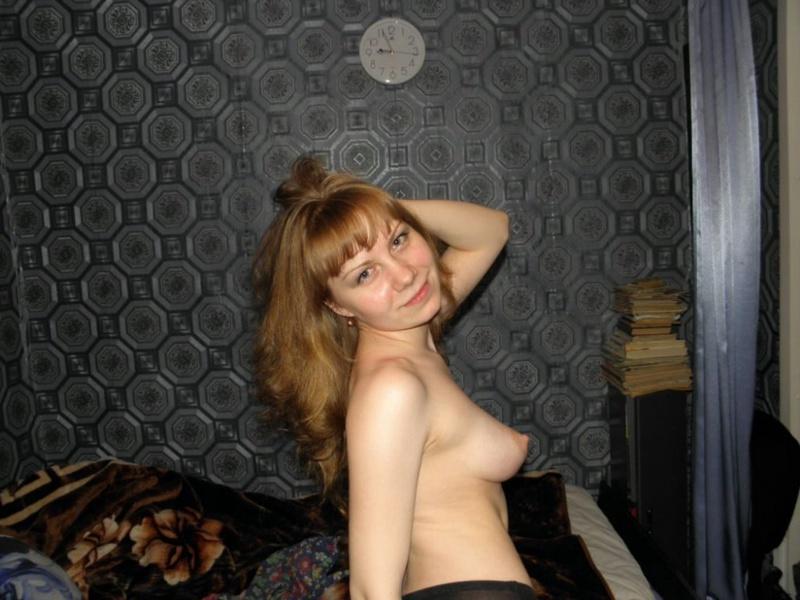 Обнаженная девка с кругленькими сисями 5 фото