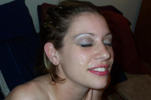 Забрызганные спермой девушки смачно сосут члены 31 фото
