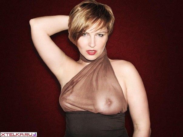 Фигуристые женщины хвастаются грудью и ягодицами 24 фото