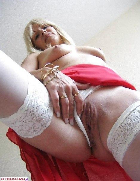 Фигуристые женщины хвастаются грудью и ягодицами 18 фото