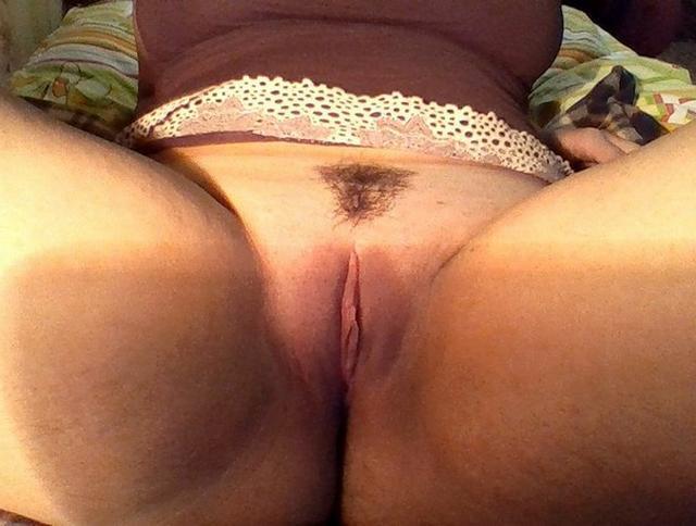 Молодые искусительницы трахаются в вагину с мачо 20 фото