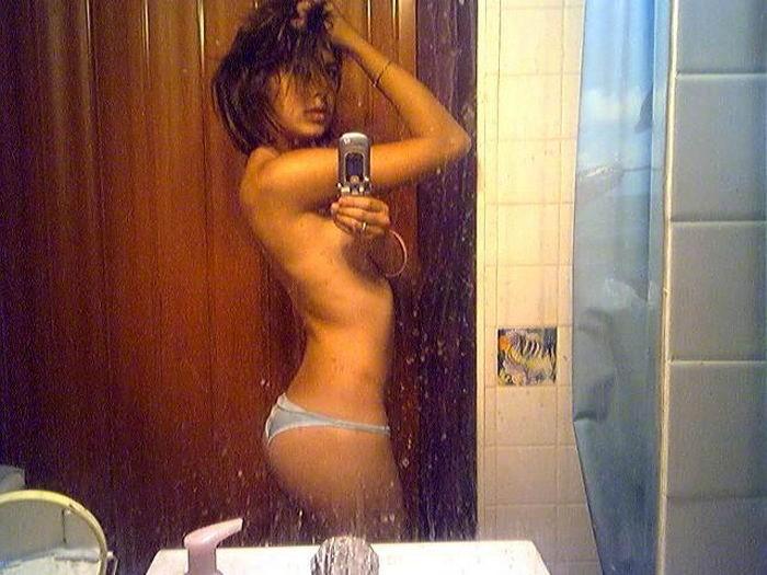 пошлые американки делают эро селфи в зеркале 15 фото