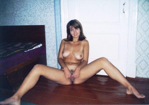 Сборник домашней обнаженки девушек с волосатыми вагинами 5 фото