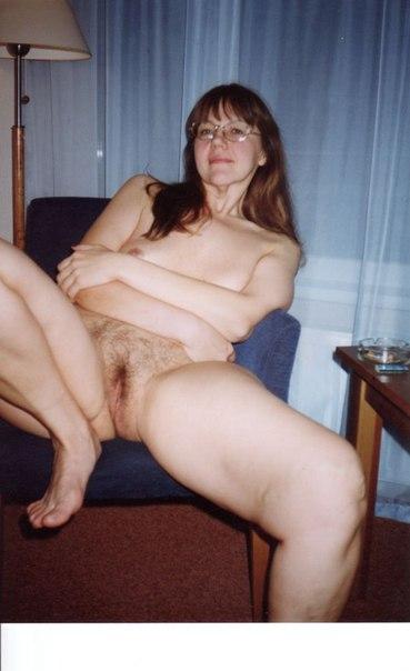 Сборник домашней обнаженки девушек с волосатыми вагинами 23 фото