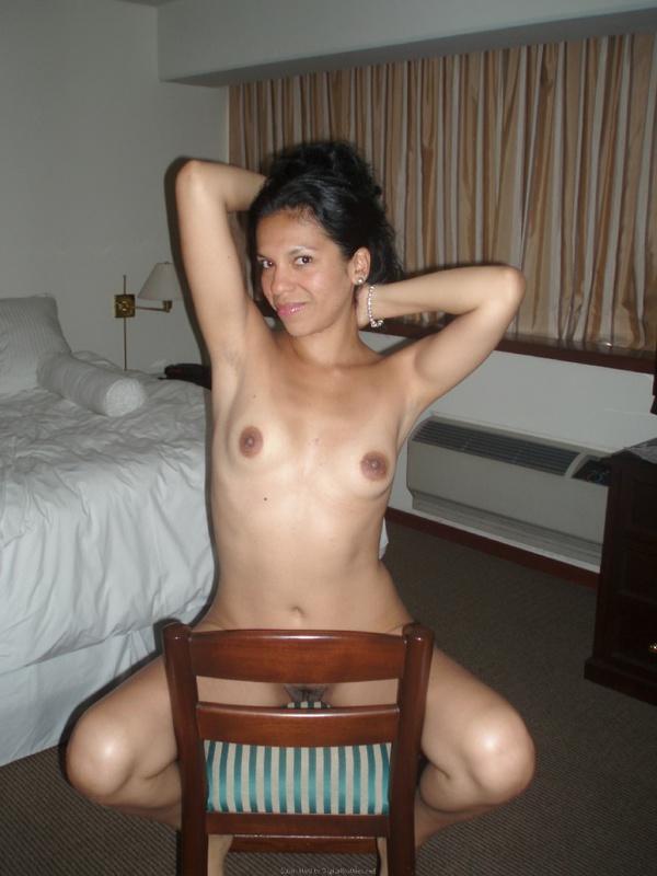Мать одиночка после первого свидания разделась в любовном отеле 21 фото