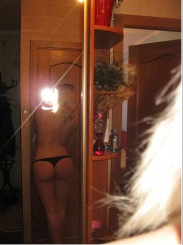 Селфи подруг в нижнем белье дома 15 фото