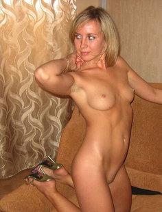 Горячая дама с обворожительным и очень сексуальным телом