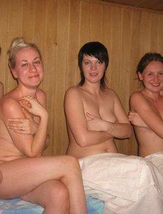 Голые девушки в русской бане