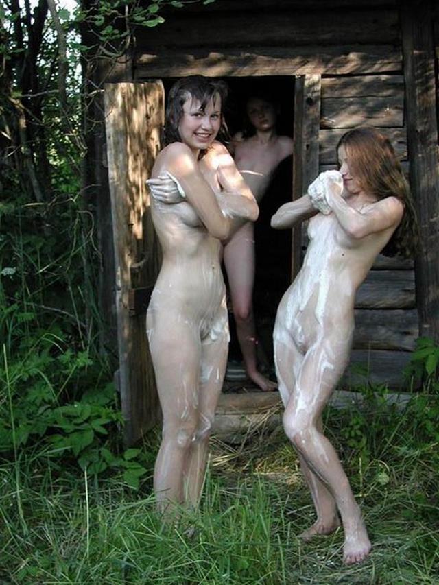 Голые девушки в русской бане 23 фото