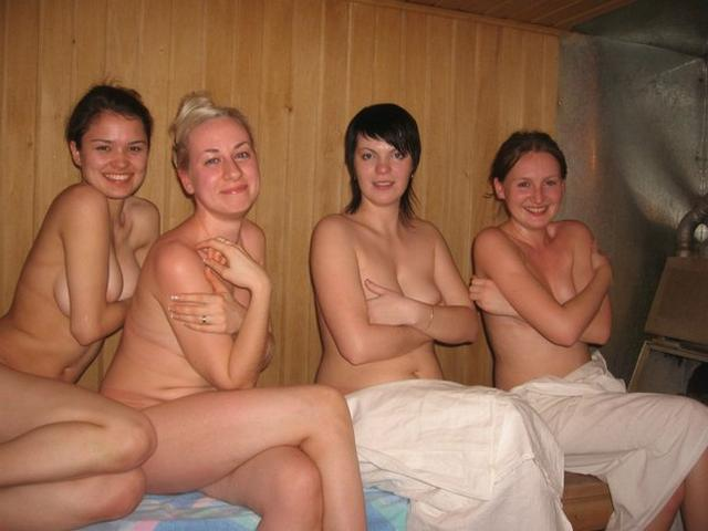 Голые девушки в русской бане 24 фото