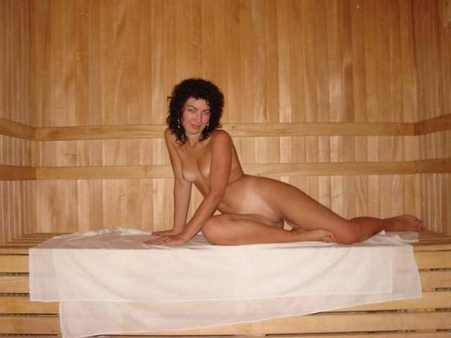 Голые девушки в русской бане 14 фото