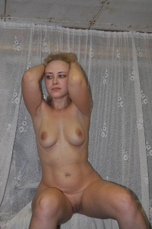 Интимная жизнь молодой блондинки из Читы 5 фото