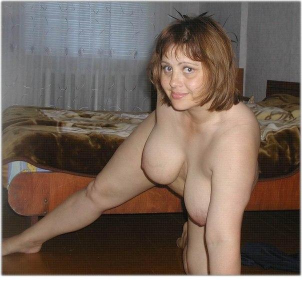 Развратные толстушки с огромными дойками позируют для соцсетей 13 фото