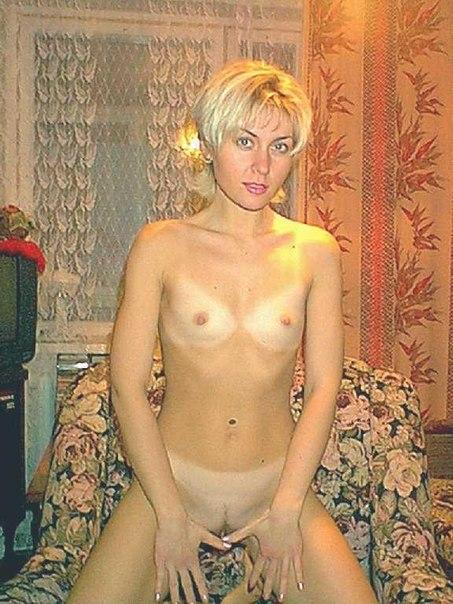 Русские красотки голышом и в нижнем белье веселятся дома 21 фото