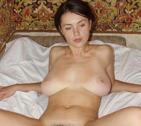 Русские красотки голышом и в нижнем белье веселятся дома 39 фото