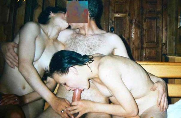 Отсос и любительский секс на хате в 90е 3 фото