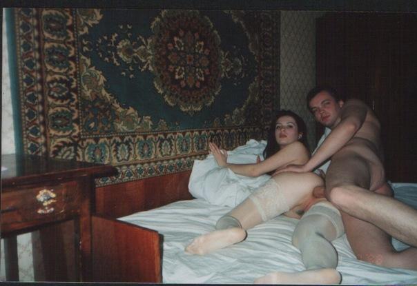 Отсос и любительский секс на хате в 90е 13 фото