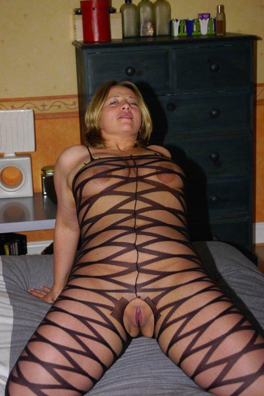 Толстая мамка снимает белье из секс-шопа 2 фото
