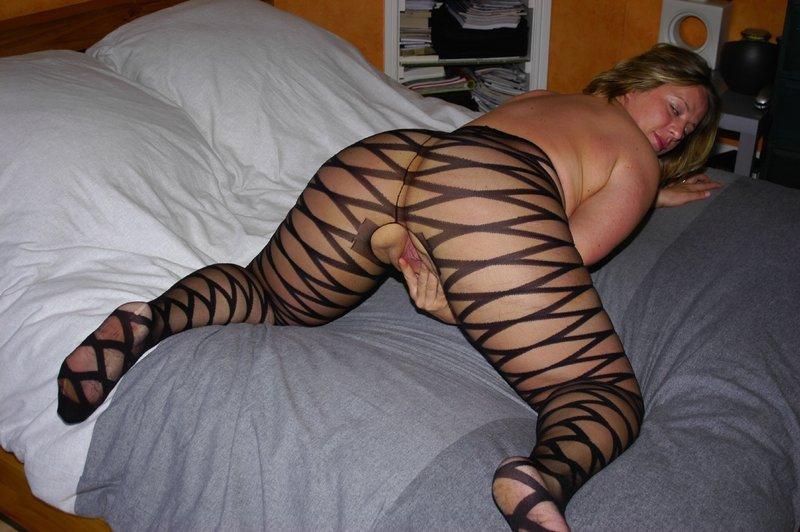 Толстая мамка снимает белье из секс-шопа 10 фото