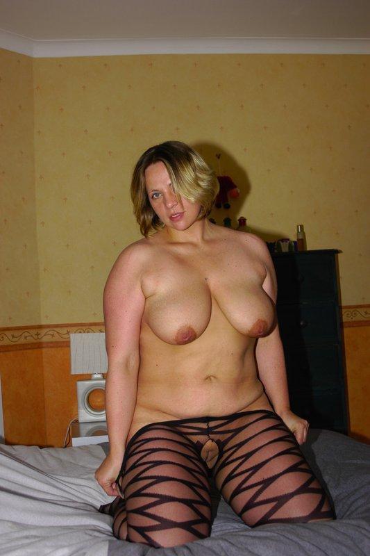 Толстая мамка снимает белье из секс-шопа 16 фото