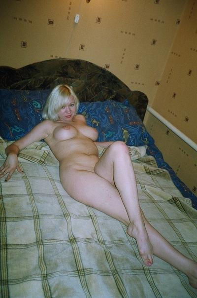 Мужик опубликовал старые снимки своих голых любовниц 16 фото