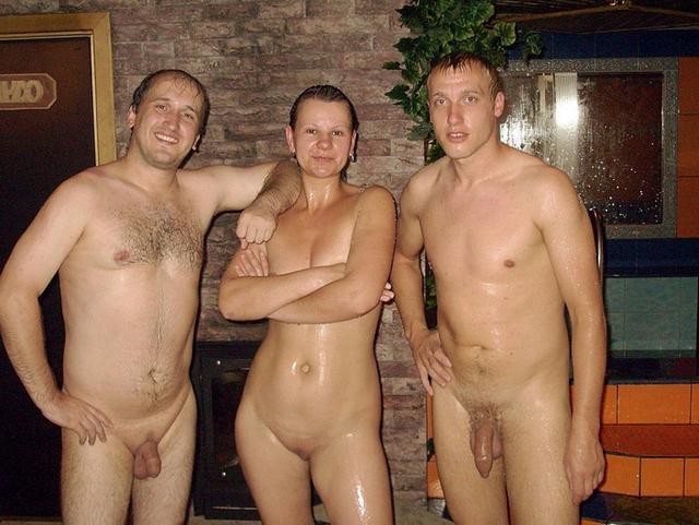 Любительские групповухи со славянскими девушками 4 фото