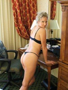 Частные фото горячей блондинки