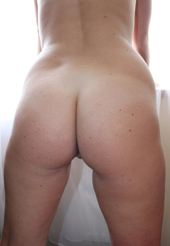 Сексуальная дама с нереально большими дойками 11 фото