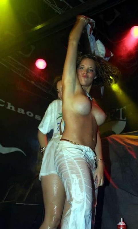 Пьяная оргия в голландском стрип клубе 8 фото