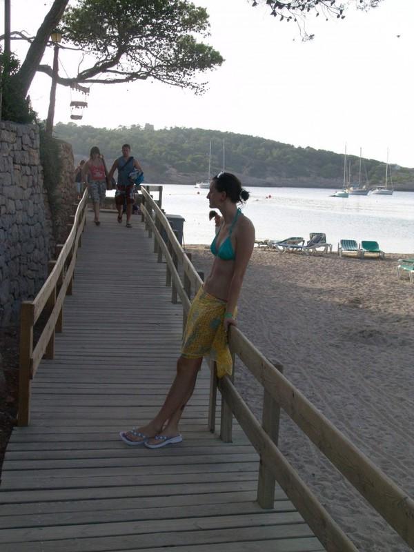 После похода на пляж девушка трахается с любовником в номере 2 фото
