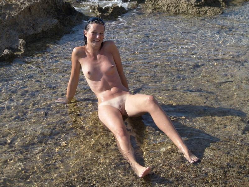 После похода на пляж девушка трахается с любовником в номере 12 фото