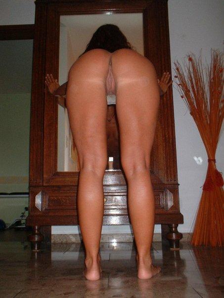 Подборка эротики голых дамочек с длинными ногами 25 фото