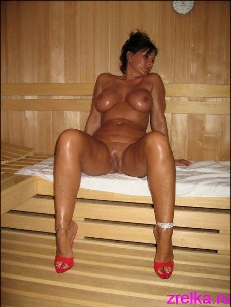 Подборка эротики голых дамочек с длинными ногами 14 фото