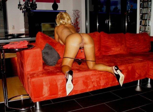 Подборка эротики голых дамочек с длинными ногами 23 фото