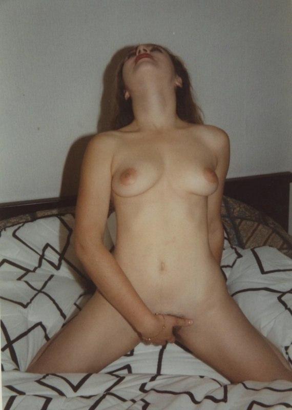 Коллекция старых фото мастурбации подруг 13 фото
