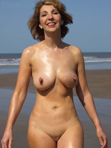 Подборка голых дамочек с большими задницами в домашних условиях 24 фото